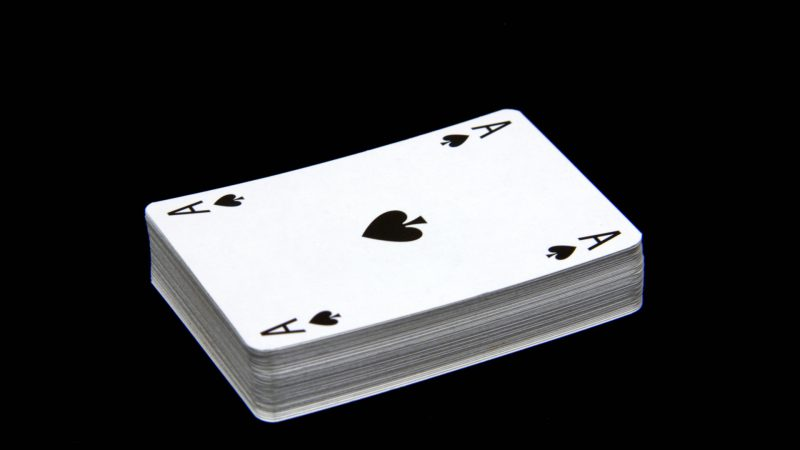 What are the best ways to play cards online?